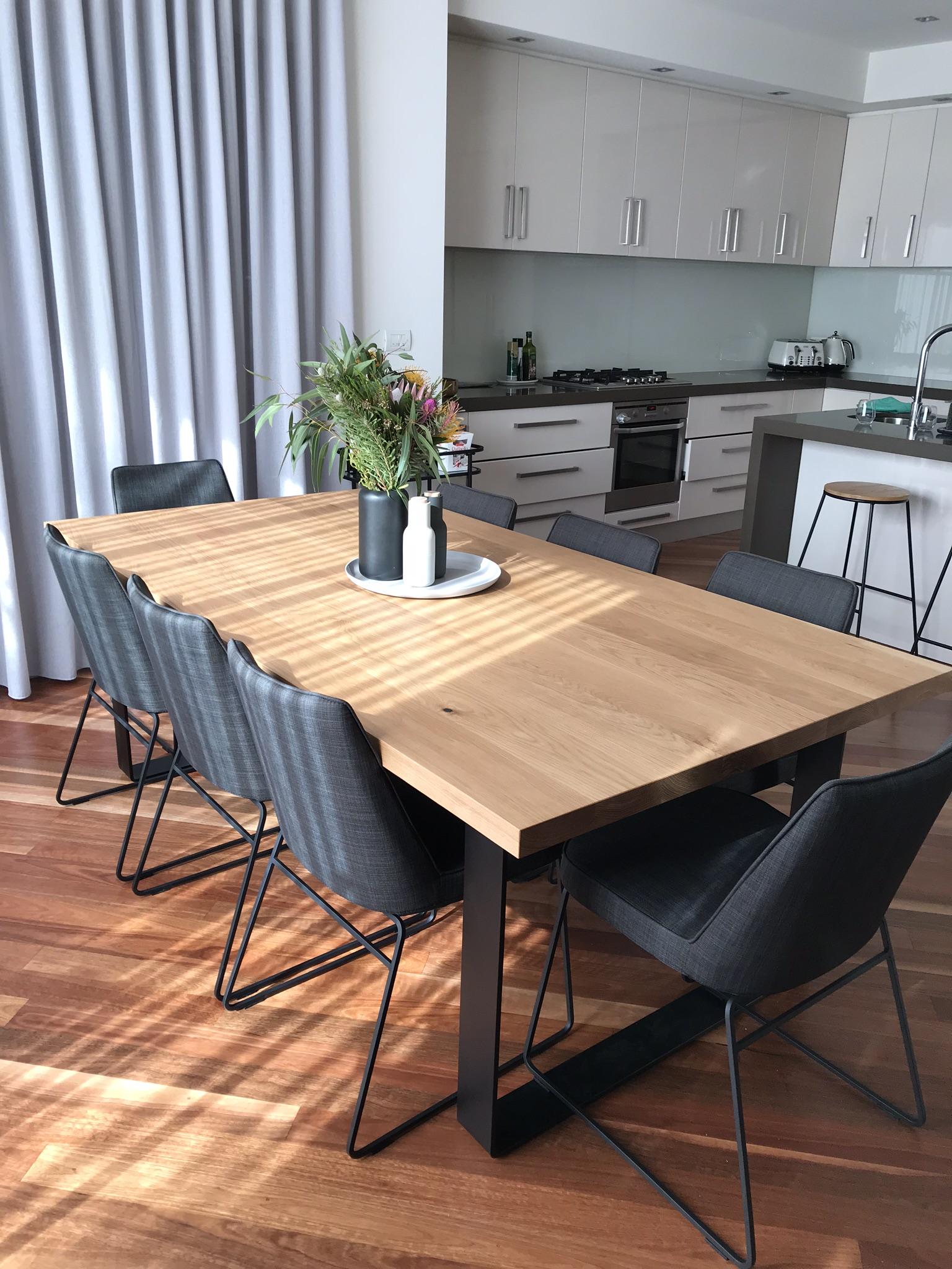 American Oak Dining Table.  //jrbespokedesigns.com.au/wp Content/uploads/2019/